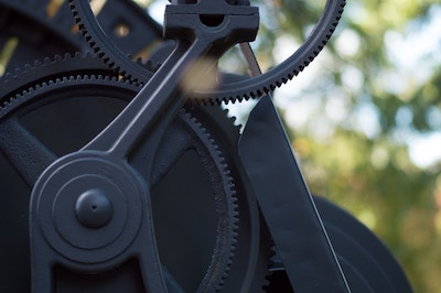 Machine with gears