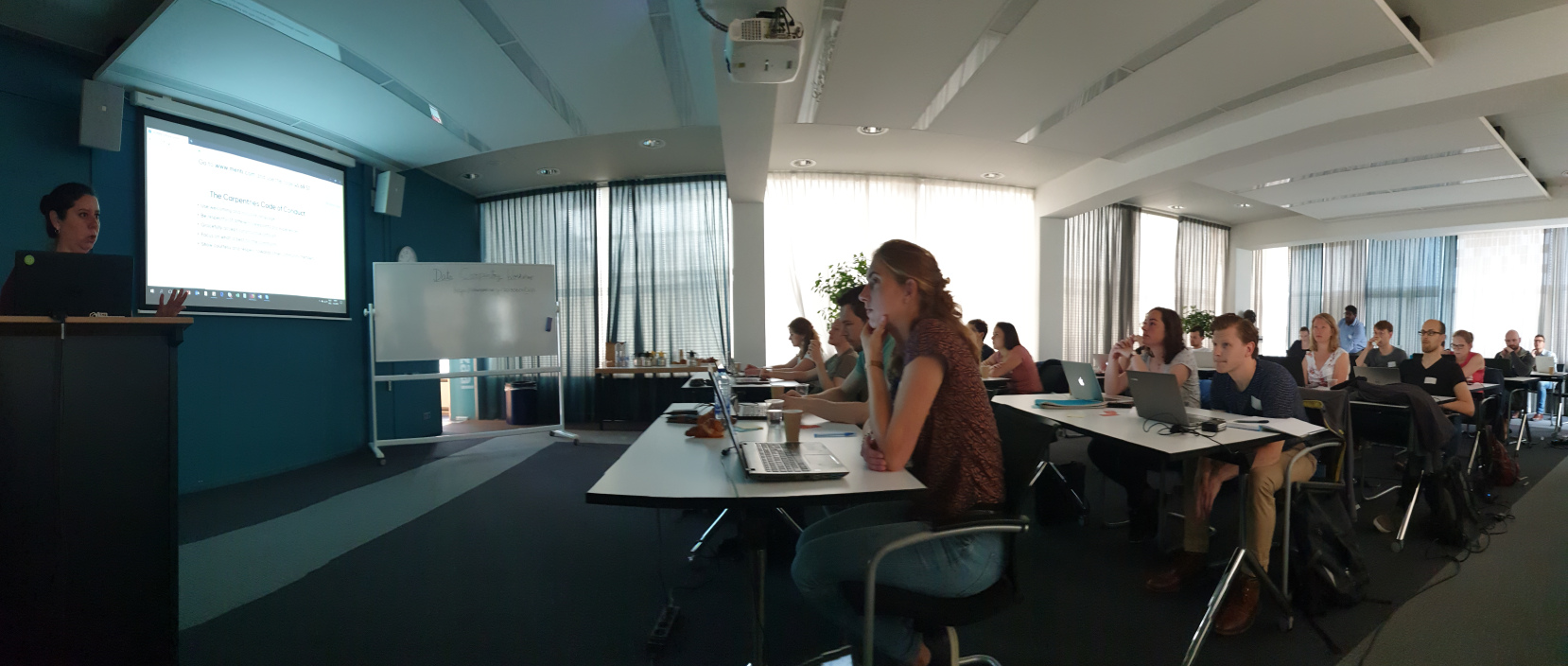 Researchers attend TU Delft's first Genomics Carpentry to 'shape up' their data science skills